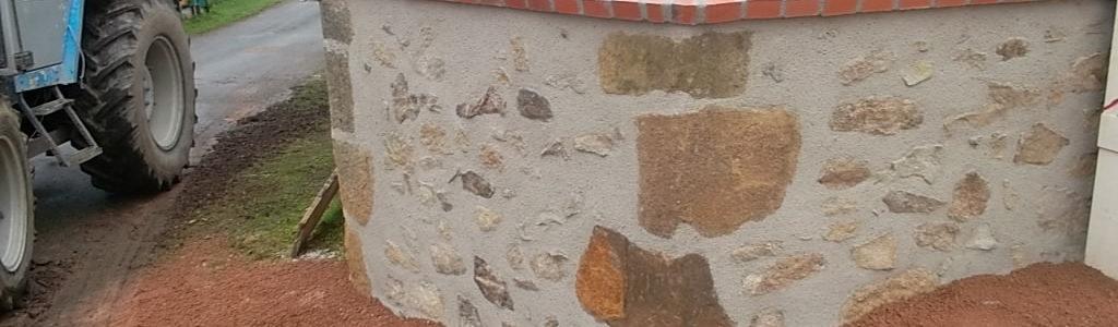Mur du logement communal à Maillet