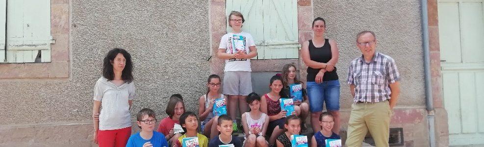 Remise des dictionnaires aux élèves de cm2 à Louroux-Hodement